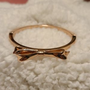 Kate Spade New York shiny metal bow bracelet